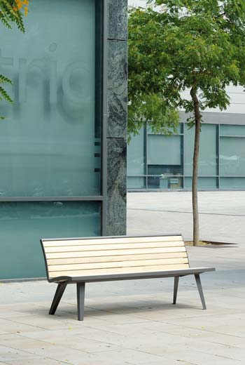 Area - Bench with backrest - Montréal bois